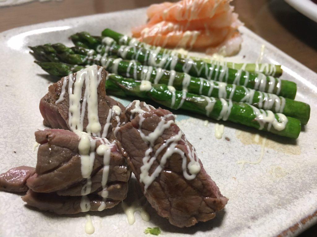 牛肉アスパラエビ